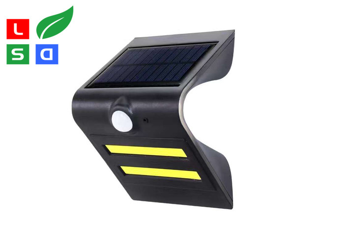Outdoor LED Commercial Lights Unique Curved Design LED Solar Power Lamp